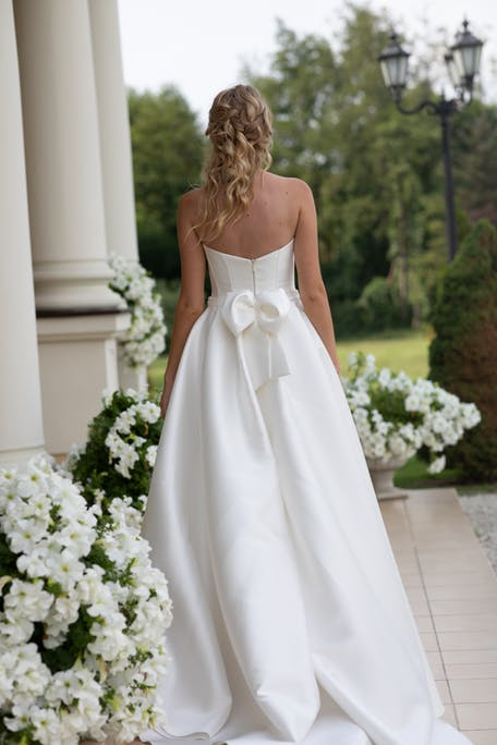 wedding dress with bow on back