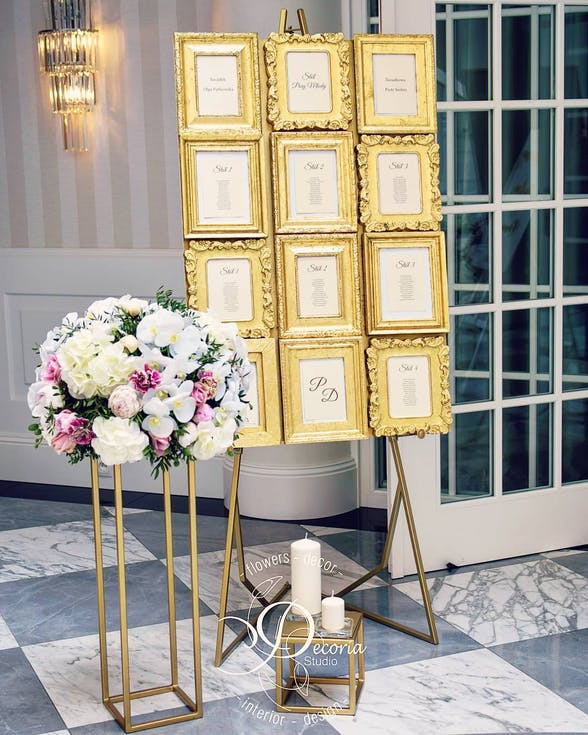 Gold seating board with frames
