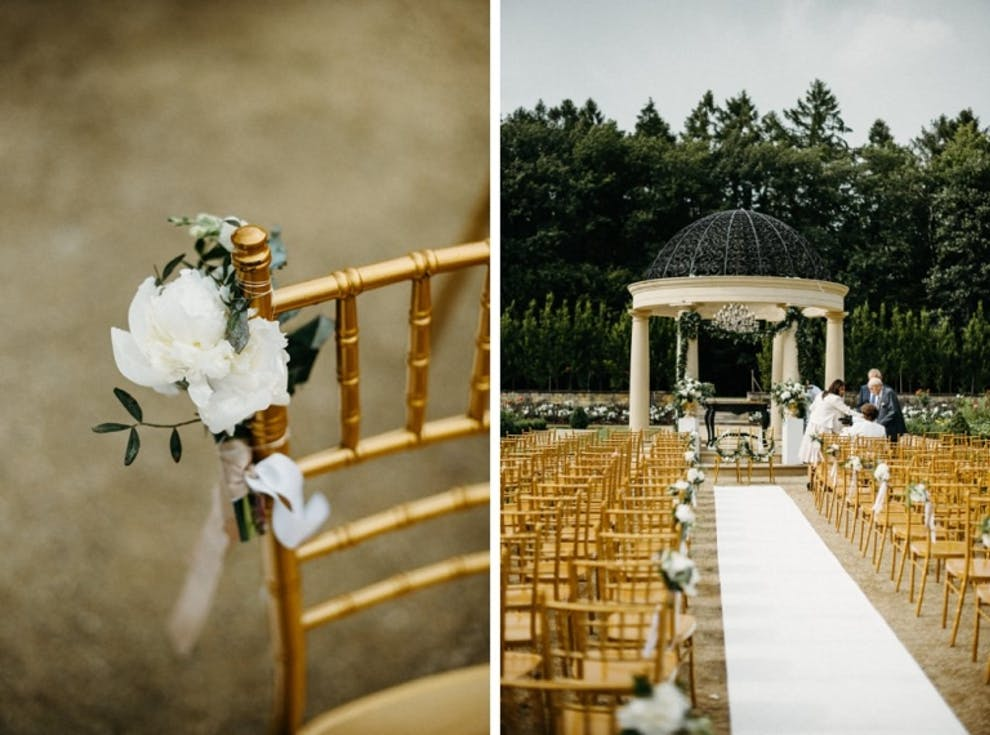 Golden chairs for the wedding